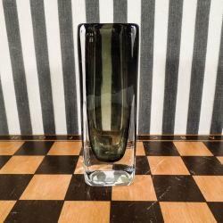 Vintage vase i klart/mørkt olivenfarvet glas fra Nils Landberg for Orrefors