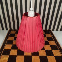 Vintage lampe/pendel i rødt plast