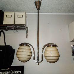Smukkeste Art Deco loftslampe med to glas-skærme & chrom-stel!