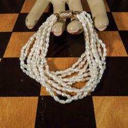 Smuk ti-radet vintage armbånd med ægte kulturperler!