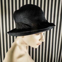 Vintage chic sort stråhat til kvinde.