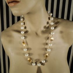 Lækreste vintage halskæde med faux perler fra Napier!