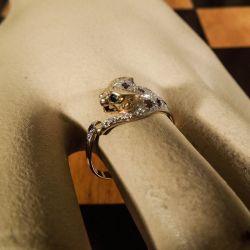 Fantastisk vintage guld panter ring i otte karat med ædelsten!