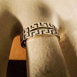 Vintage ring i geometrisk design udført i guld!