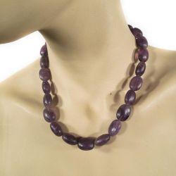 Vintage halskæde med store lilla glasperler & sølvlås.