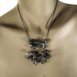 Vintage halskæde i et organisk design.