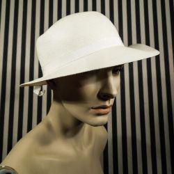Super smuk vintage stråhat i cremehvid. Hatte str. 57-58.