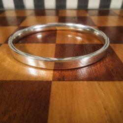 Vintage arm-ring i sterling sølv (kan åbnes) Indre bredde: 6,5 cm.