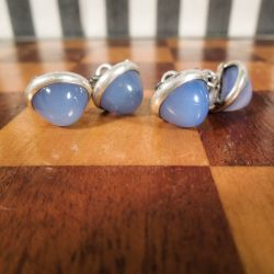 Vintage ærmeknapper i sølv med blå calcedon i original æske.
