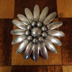Vintage blomster broche fra Brdr. Bjørklund i sterling sølv