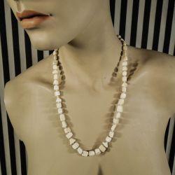 Vintage halskæde med store uens perler af elfenben