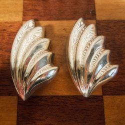Sæt af to ens store, vintage bladformede øreclips i sølv fra Willy Kromar