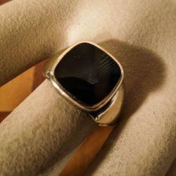 Vintage herrering i otte karat guld med natsort, blank onyx