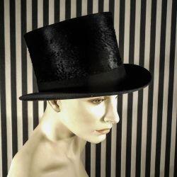 Høj hat i muldvarpeskind i suveræn kvalitet