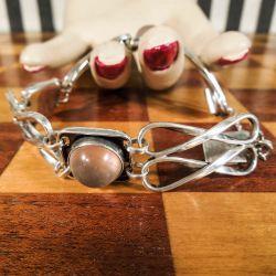 Vintage håndlavet armlænke i sølv med rosakvarts sten.