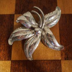 Vintage blomster-broche fra Herman Siersbøl i sterling sølv