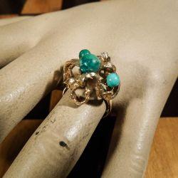 Vintage cocktail-ring i guld med perler af turkis, fra Siersbøl