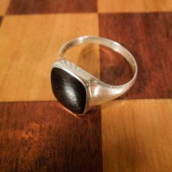 Vintage herre-ring i sølv med en front af natsort onyx
