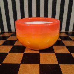 Holmegaard skål fra serien Palet i de smukkeste orange toner.