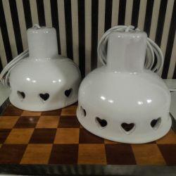 Et sæt super fine retro lamper med hjerter i hvidglaseret keramik!