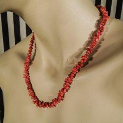 Vintage halskæde med vandrette stave af røde koraler