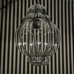 Vintage super lækker lanterne (loftslampe) i venetiansk tykt, klart glas samt bånd af jern.