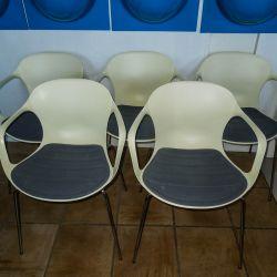 Fem styks NAP chairs med armlæn og originale sædehynde fra Kasper Salto for Fritz Hansen