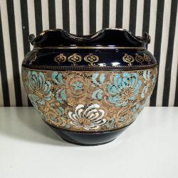 Antik, stor Art Noveau bowle med fantastiske detaljer fra Royal Doulton. (NB der er ingen nag på flæsekanten, selv om det måske ser sådan ud)