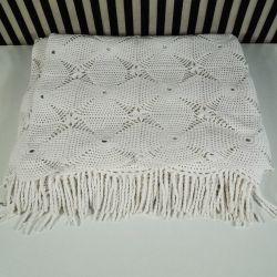 Hæklet sengetæppe i det fineste hvide garn. Proveniens: Gråsten Slot