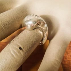 Vintage, stor sølv ring med ældre stempel fra Siersbøl