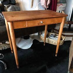 Vintage skrivebord udført af dansk snedker!