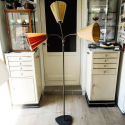 Vintage Tivoli-lampe eller trafiklys. Messing stand med 3 flexible arme med forskelligt farvede skærme.