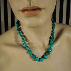 Deluxe ægte turkis-halskæde med håndlavet lås prydet med talrige diamanter.