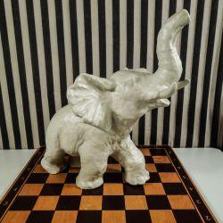 Vintage stor elefant i hvidglaseret keramik fra Vicke Lindstrand