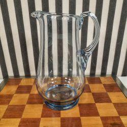 Vintage mælkekande i lyseblåt mundblæst glas