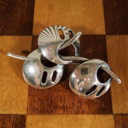 Vintage buket broche udført i sterling sølv.