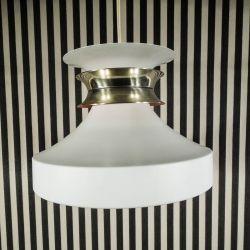 Lækker vintage designer loftspendel i hvidlakeret aluminium med gyldent bånd!
