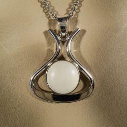 Vintage halskæde i sterling sølv med elfenben fra N. E. From