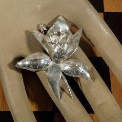 Smukkeste håndlavede vintage blomster broche i sterling sølv.