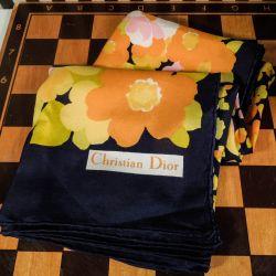 Smuk vintage silketørklæde fra Christian Dior!